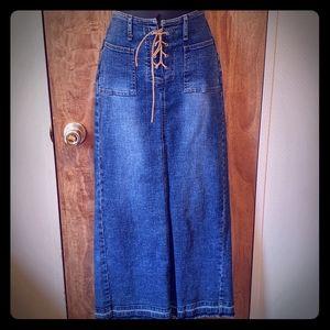 Anchor Blue Slit-Back Denim Skirt, Size 5
